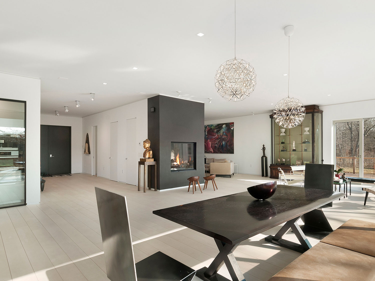 thinking of selling your hampton s home see how simple home staging